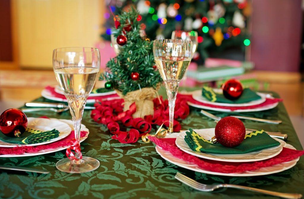 Christmas table decoration inspiration.